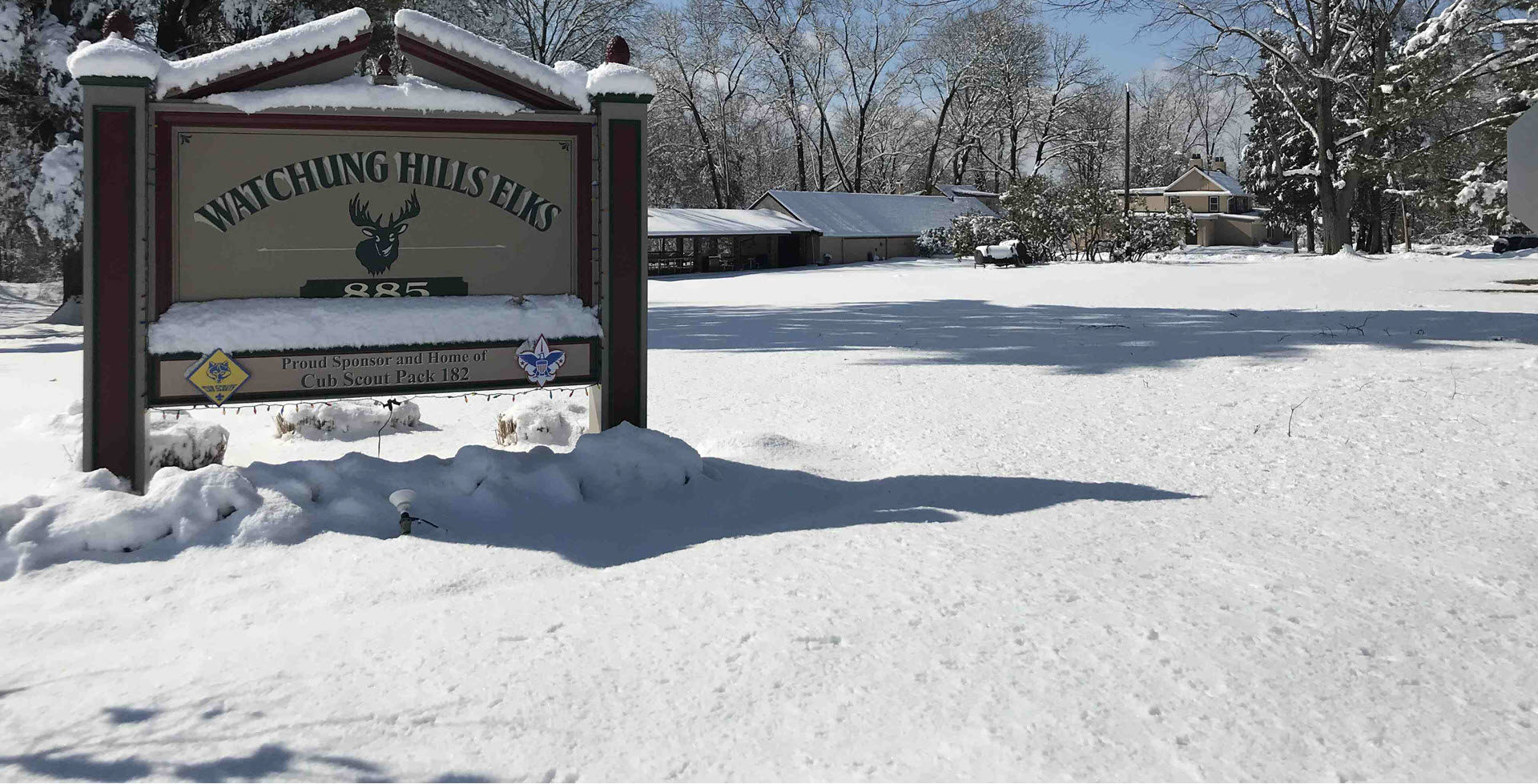 Watchung Hills Elks Lodge 885 in Snow